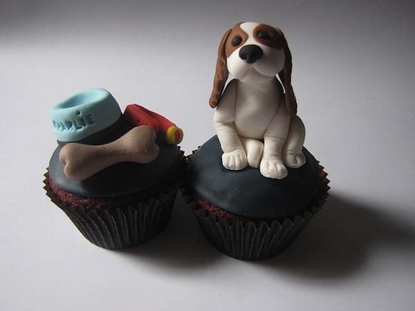 Puppy-and-Bone-Cupcake2