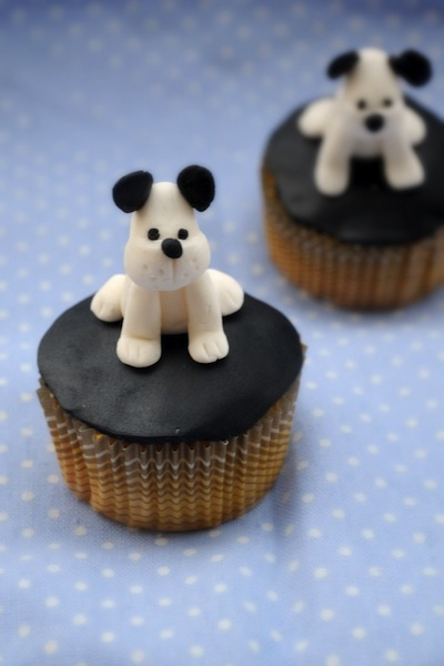 White-Puppy-Cupcake-Toppers-682x1024