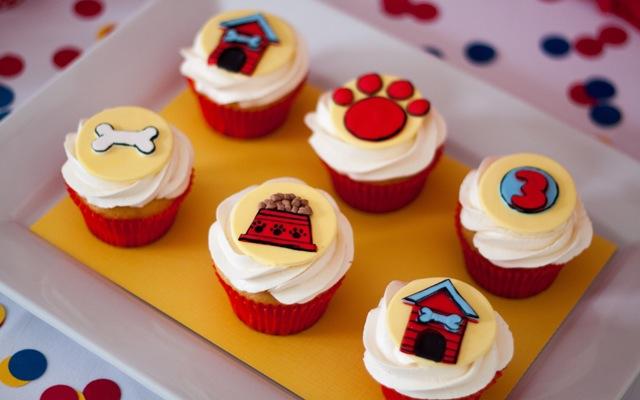 blog_021113_clifford_cupcakes
