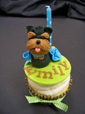 puppy-dog-cupcakes-300x400